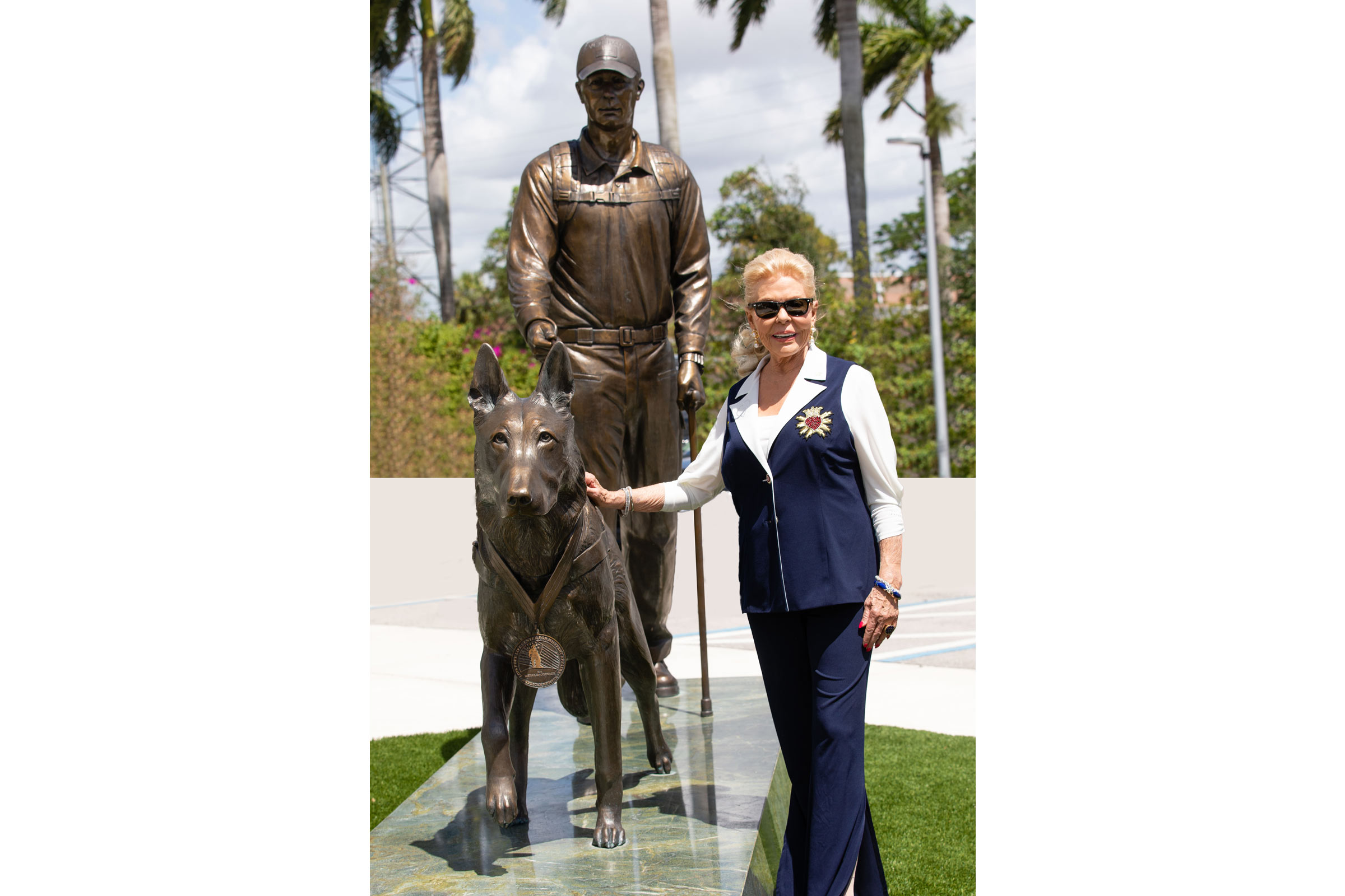 american hero dog monument